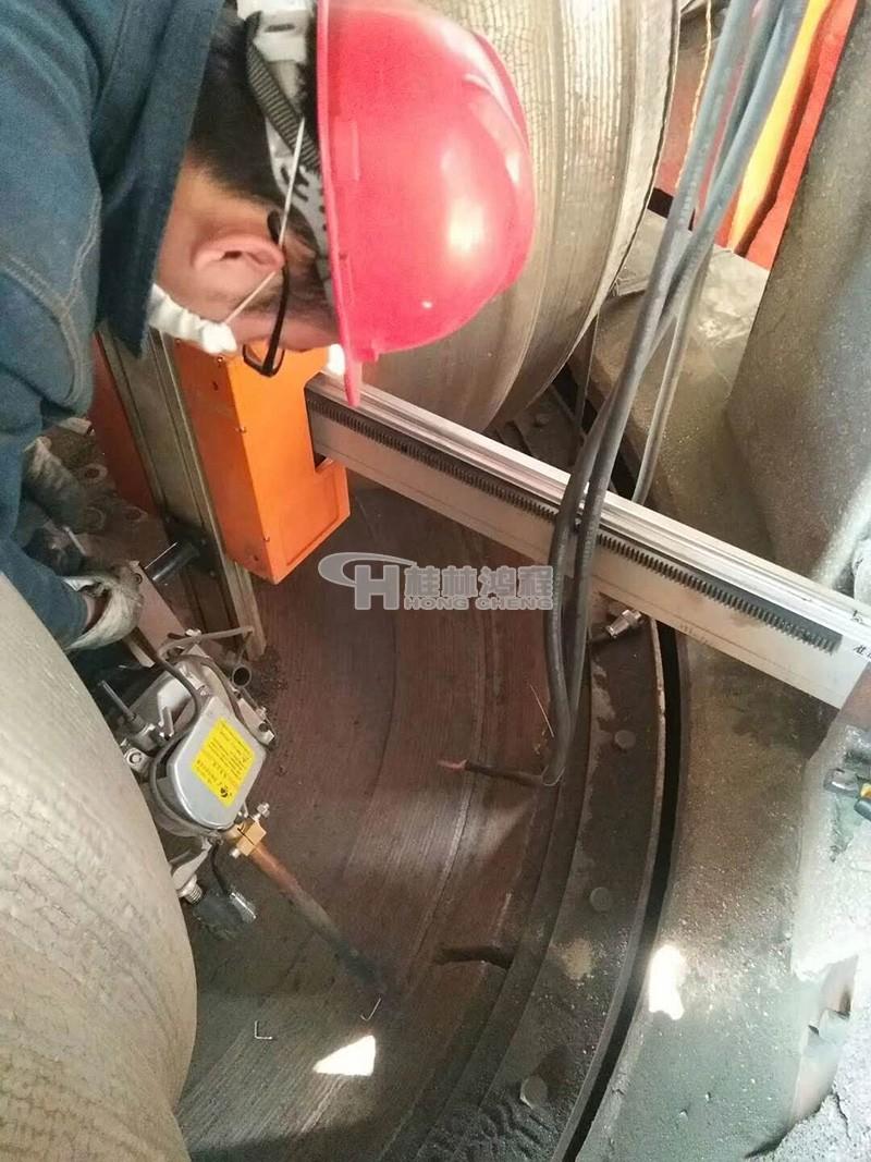 立磨磨盘堆焊在线堆焊